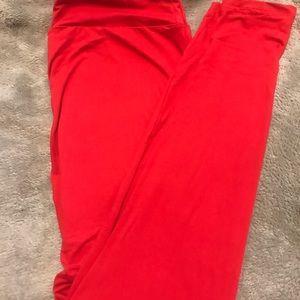 T/C LuLaRoe solid red leggings